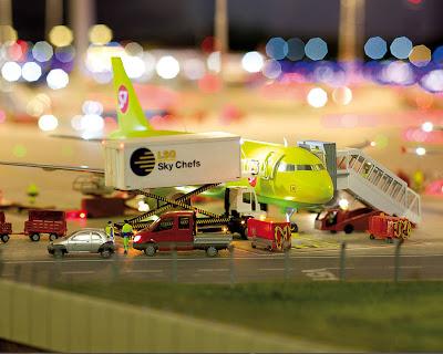 [Internacional]  (Imagens) Aeroporto de Hamburgo em miniatura  Knuffingen-airport_01+%25283%2529