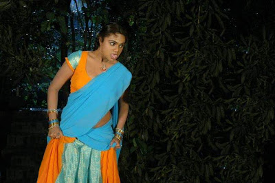 Actress Abhinaya Sri hot Saree Photos