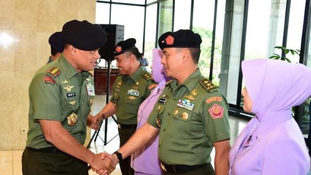 Perwira Tinggi dari Ketiga Matra TNI Naik Pangkat