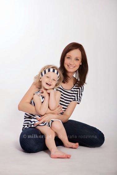 zdjęcie rodzinne, sesja zdjęciowa dla rodziny, artystyczne sesje zdjęciowe, studio fotograficzne wielkopolska