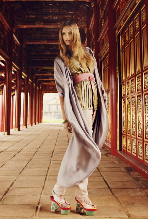 Oriental Beautiful Women Fashion Style 2011 - 2012