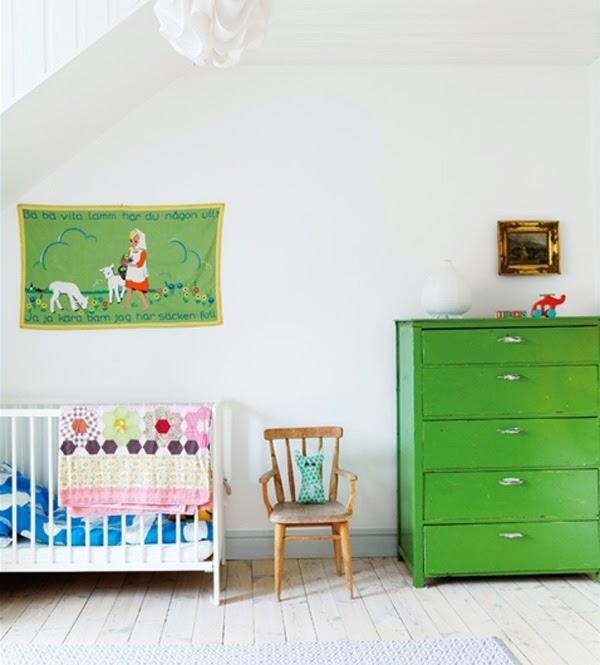 Lalole blog viejos muebles pintados para cuartos infantiles for Colores vintage para muebles