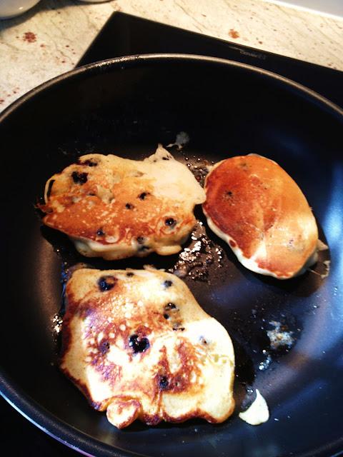 Pioneer Woman's Lemon Blueberry Pancakes, Natasha in Oz, Pancakes,