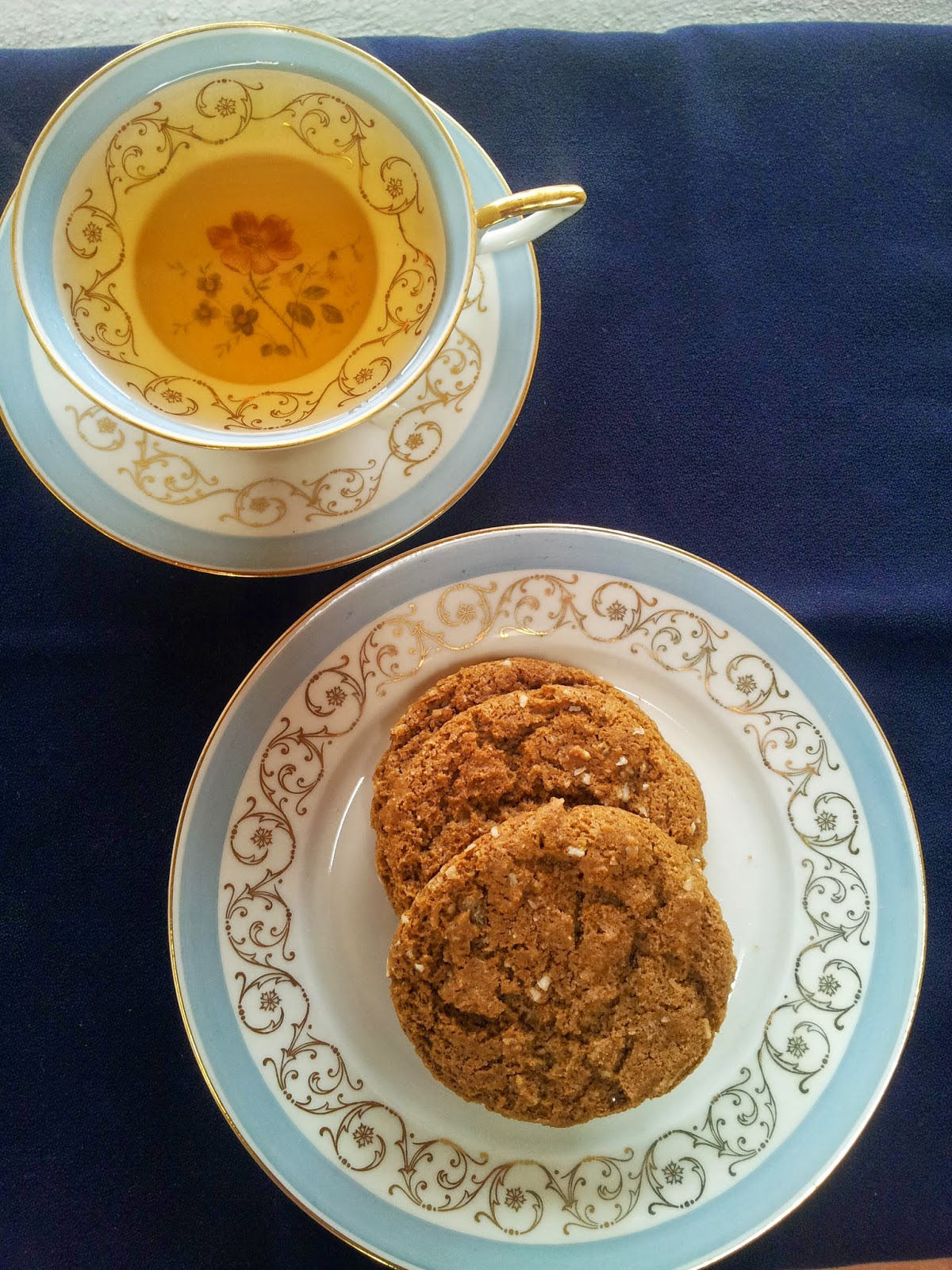 healthy ginger-molasses cookies