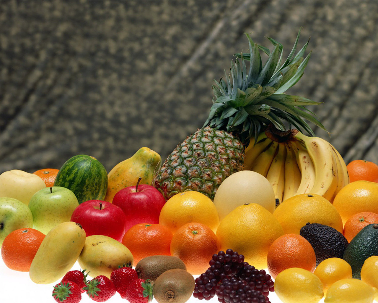 http://4.bp.blogspot.com/-__pgMQ2JDzQ/TZQjcCBPRMI/AAAAAAAAAAY/AEQCuzDYC7A/s1600/fruits-wallpaper-.jpg