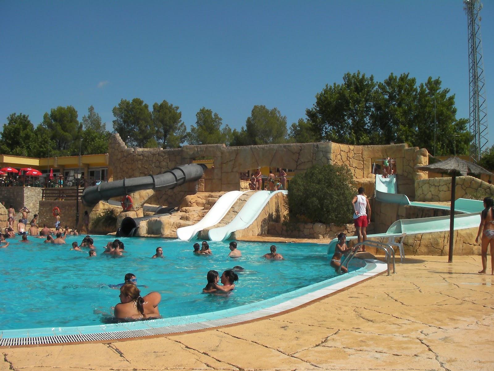 Club 32 actividades con ni os segobriga park for Piscina municipal castellon