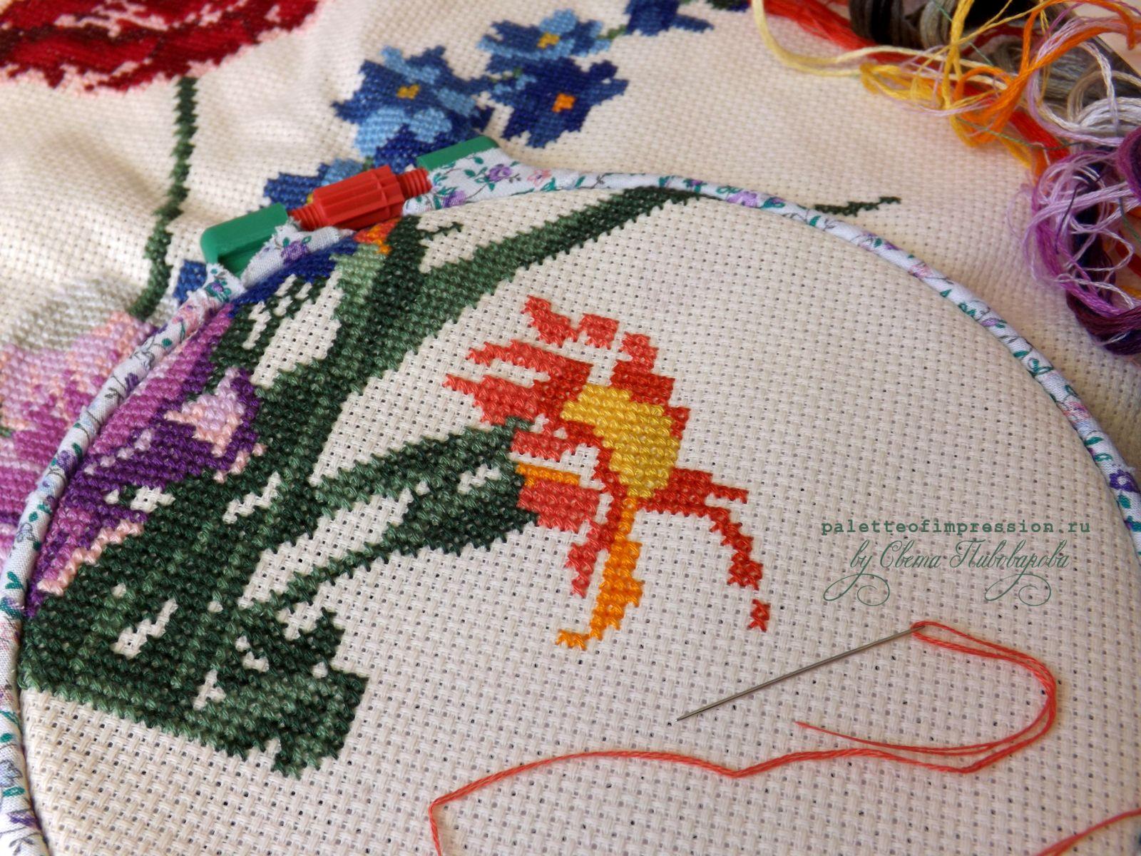 Букет цветов, бабочка и птичка. Вышивка крестом.