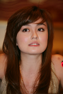 Download Lagu Agnes Monica - Walk (Ost. Telkomsel)