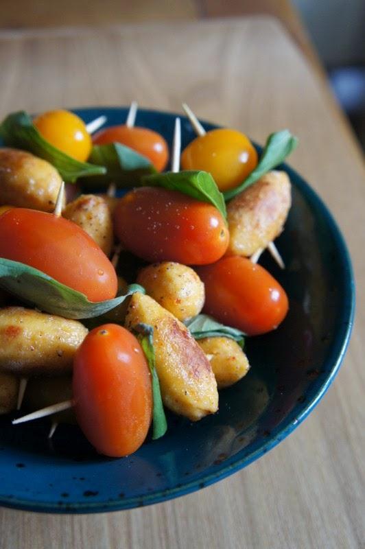 Gourmandises et merveilles mini brochettes de quenelles for Que manger avec des quenelles