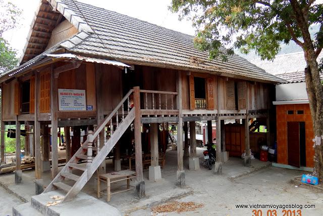 Des Thai Blans chez Pom Coong village