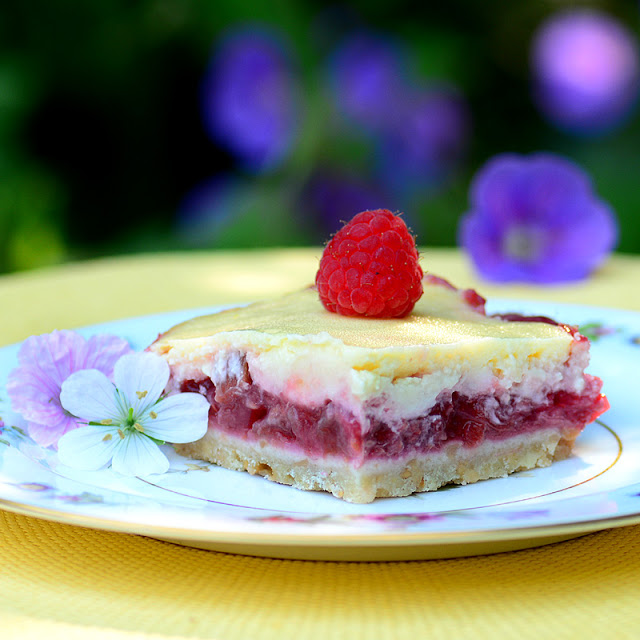 Raspberry Rhubarb Cheesecake