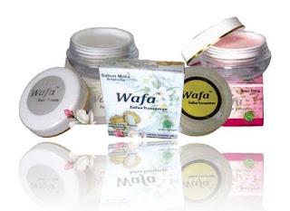 Paket Kosmetik White and Light A