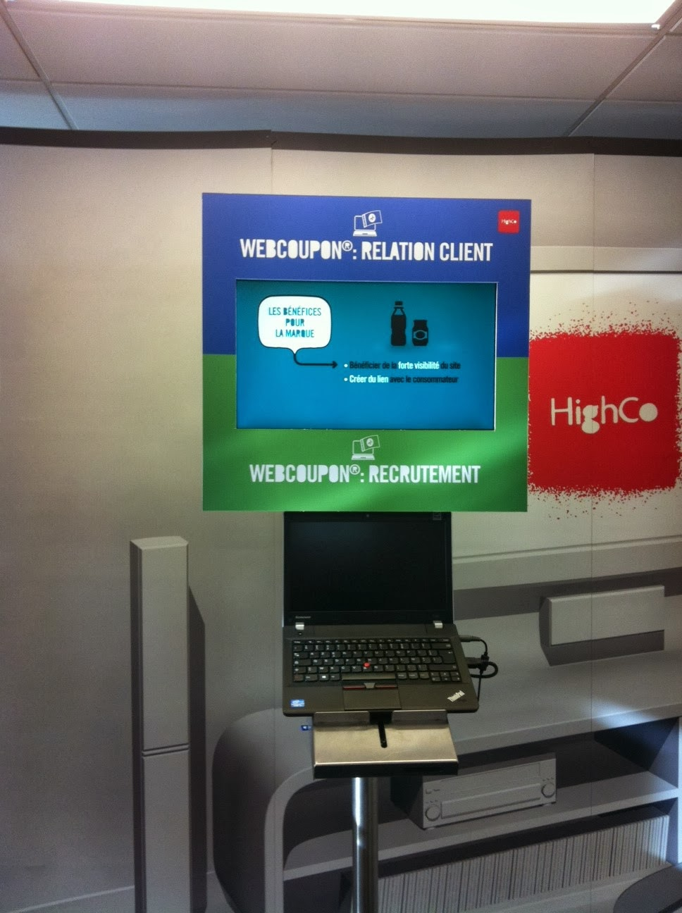 Exhibition Stand For Rent Dubai : Hire led videowall touch screen digital signage