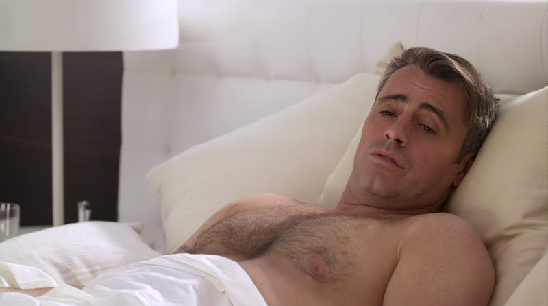 Matt LeBlanc Shirtless on Episodes s1e07