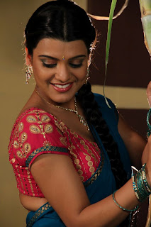 tashu koushik  Pictures in half saree 003.jpg