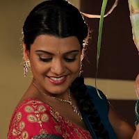 Tashu kaushik winning photos in village girl attire