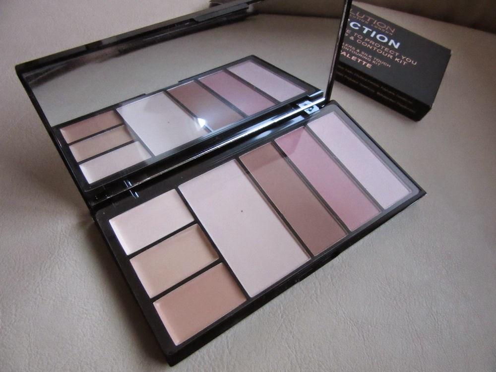 Makeup Revolution: Protection Palette a štetce