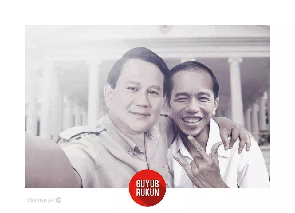 Pradowo dan Jokiwi yang sedang berfoto bareng