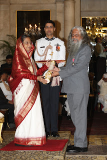 Dr Y S Rajan receiving Padma Sri Award