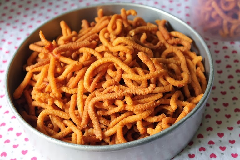 Kara Sev / Khara Sev / Spicy Sev – Diwali Snack Recipes