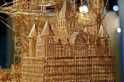 http://4.bp.blogspot.com/-_btgMSGI7vQ/TclfT6hhVEI/AAAAAAAAPKE/r52n0P0XENY/s1600/toothpick-kinetic-sculpture-san-francisco-2.jpg