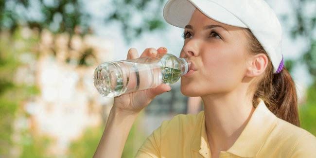 khasiat minum air putih