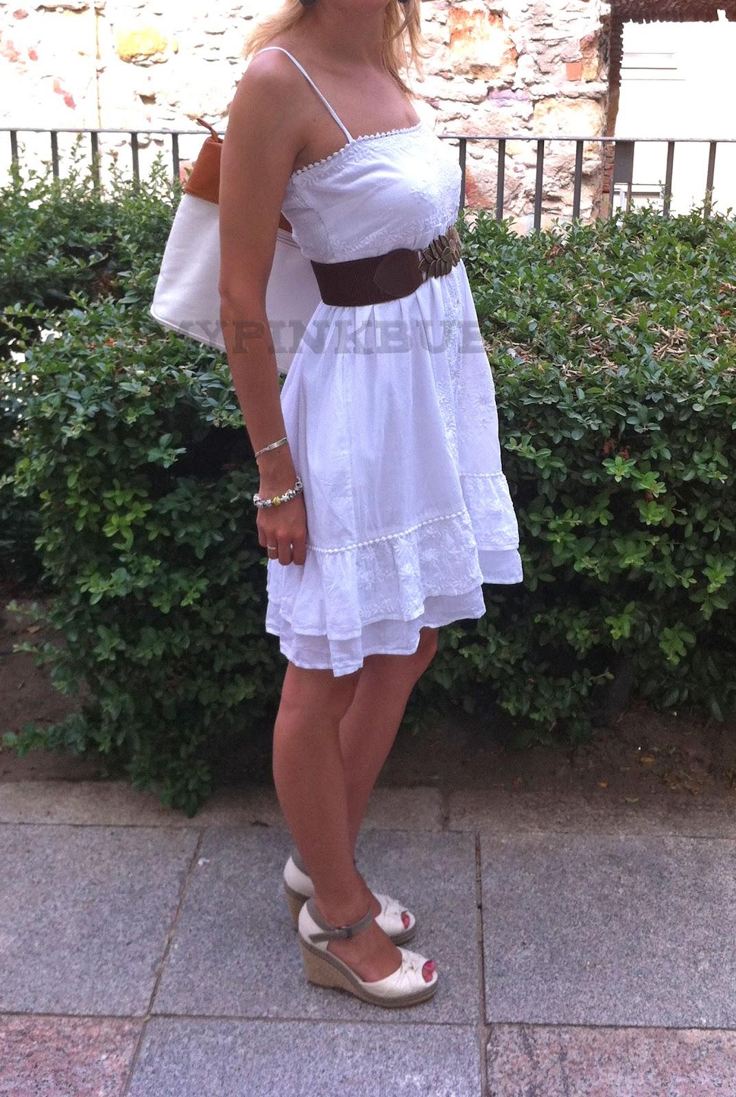 outfit vestido blanco ibicenco