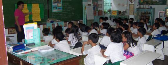 """philippine school vs american school Previously, i have discussed the ideal school, teaching abroad, and how meeting  different cultures  children in america rely on their """"regular"""" school education to  study, get informed, etc  skiing holidays in japan vs."""
