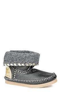 http://www.modesto.se/boots-tronchetto-black-p-1075-c-292.aspx