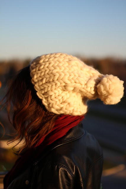 handmade diy knitting chunky bulky hat how to knit how do i make a hat, crafty, handcrafted, wool, merino, knitpicks, bulk, roving, pom, pompom, tutorials