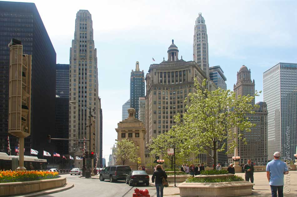 the tower design was the result of an international competition for the most beautiful office building in the world held in 1922 by the chicago tribune beautiful office building