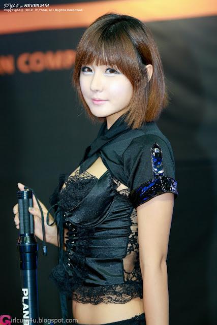4 Ryu Ji Hye - Seoul Auto Salon 2012-Very cute asian girl - girlcute4u.blogspot.com