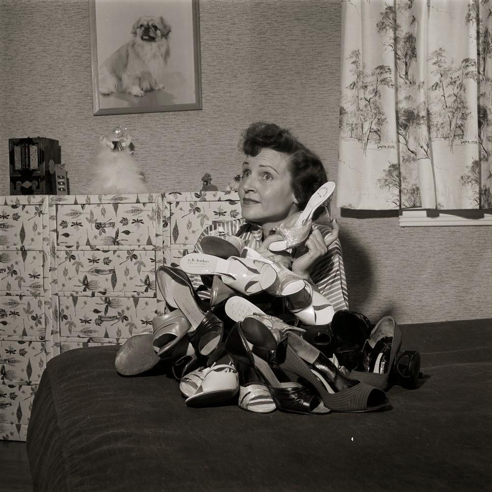 35 rare vintage photos f betty white pix i am bored. Black Bedroom Furniture Sets. Home Design Ideas