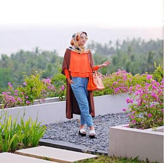 Trend Baju Muslim Dian Pelangi 2016 Terbaru Model Casual Gaya Terkini