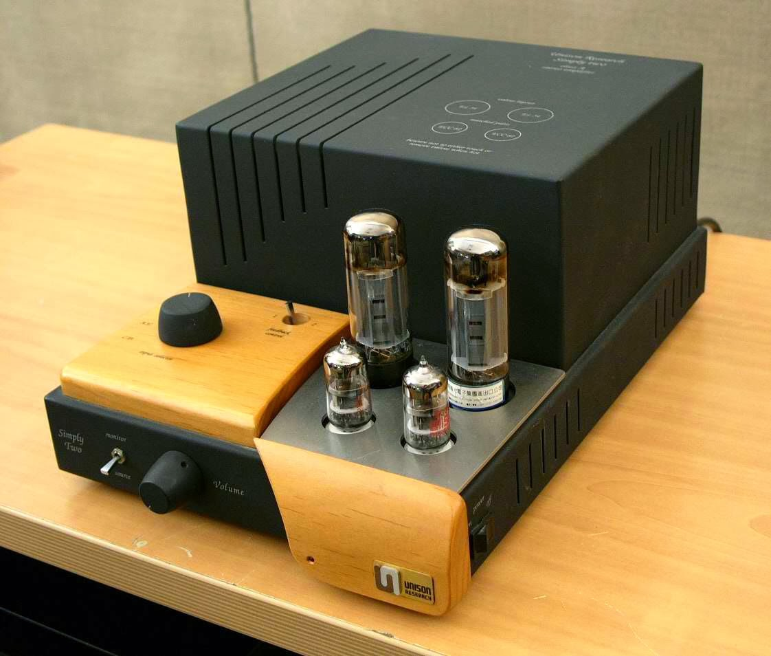 Mad Dogs And Englishmen January 2014 Simple 10w Audio Amplifier My Own Amp Is An Italian Made Unison Simply Two Integrated For The Techies Its Per Channel Of Pure Class A Current