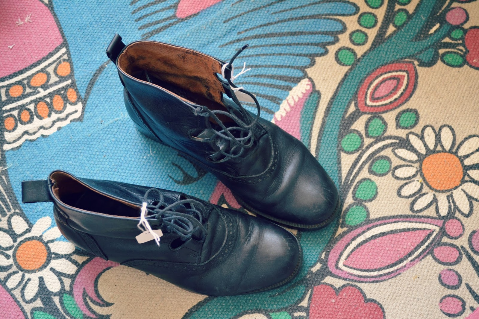 charity shop find ankle boots vintage alexa chung lace up
