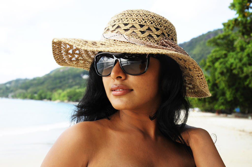 rima kallingal from yuvan yuvathi movie hot images