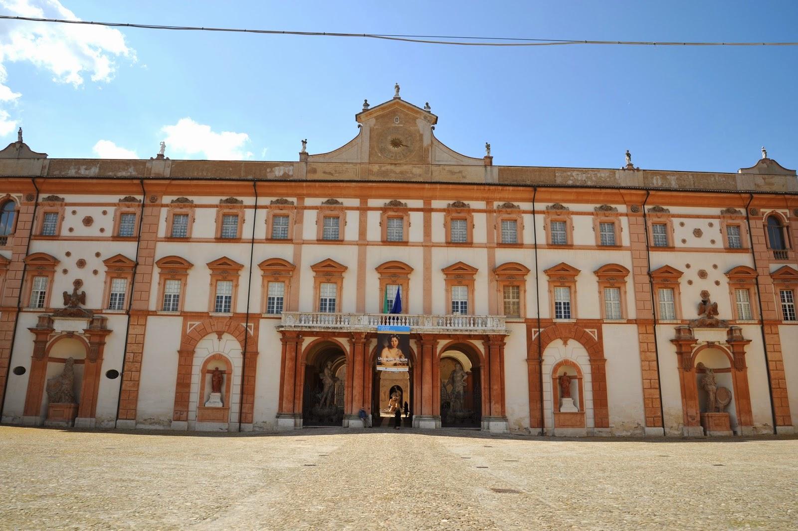 Visita al decoratissimo palazzo ducale di sassuolo - Sassuolo italia ...