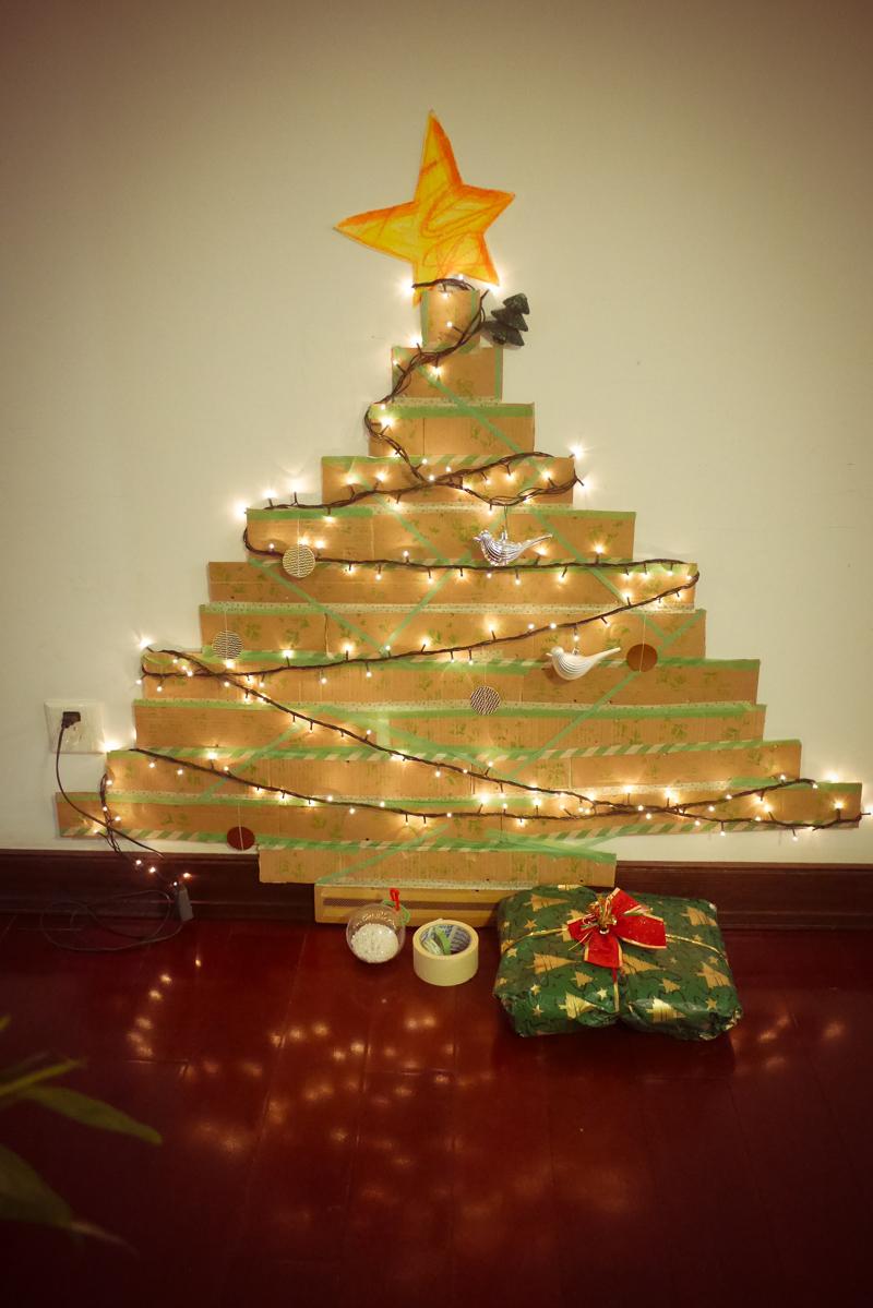 Veronica Darling Making Diy Christmas Tree