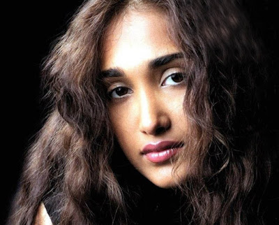 Bollywood Schoked:  Jiah Khan found dead in Mumbai