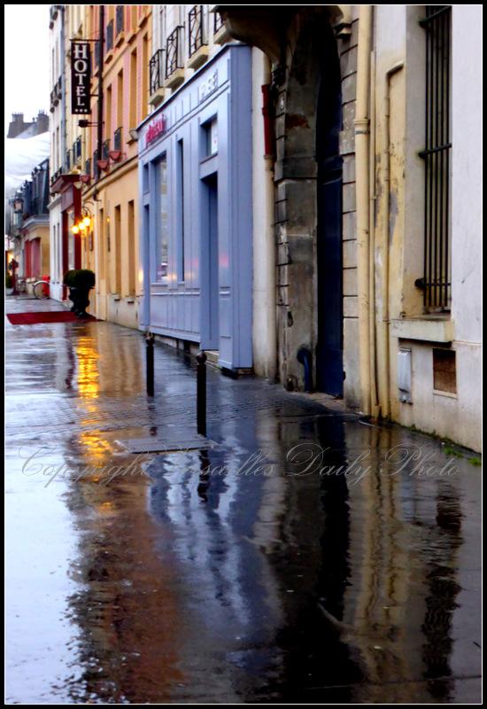 Reflections reflet rue d'Anjou Versailles
