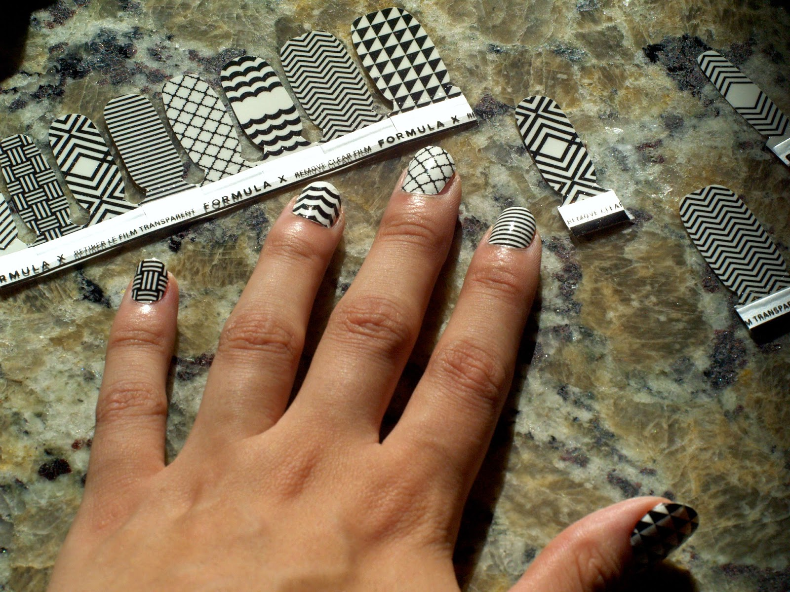 Formula X ASAP 5 Finger Real Nail Lacquer Appliqués in In The Print