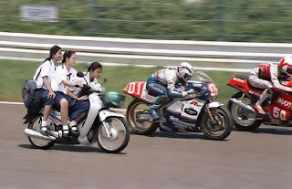 Gambar_Lucu_Model_MotoGP_2012