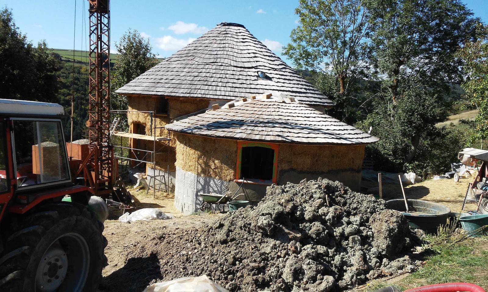 Constructeur maison en paille maison moderne for Maisons en paille