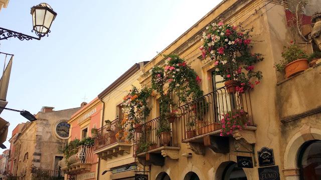 Taormina balconies  |  September in Sicily on afeathery*nest  |  http://afeatherynest.com