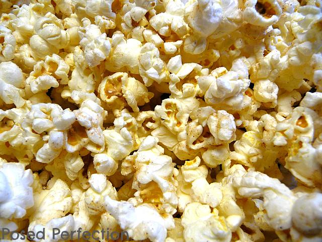 Posed Perfection: Sugar 'n' Spice Popcorn