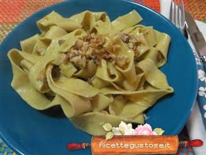 http://www.ricettegustose.it/Primi_sughi_di_pesce_1_html/Pappardelle_alle_lenticchie_con_aringa_in_bianco.html