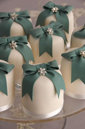 Milano Mini Wedding Cakes by Maisie Fantaisie 8 Cherry Laurel Walk