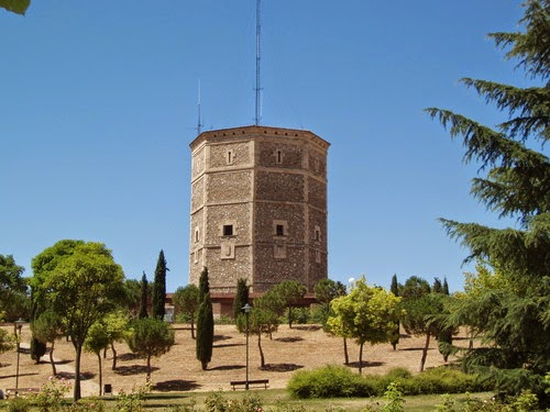 El depósito de agua de la Chinchibarra en Garrido ha sido el faro de generaciones en Salamanca