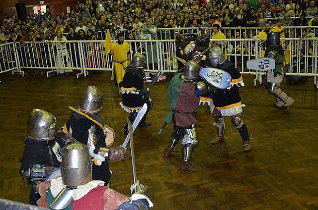 Combate Medieval em Buenos Aires, mais de 30.000 pessoas assistiram.